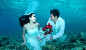 Get-Married-Under-Water1